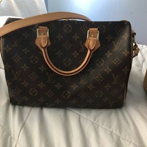 16f182e37eb2 Women Louis Vuitton Handbags Macys on Poshmark